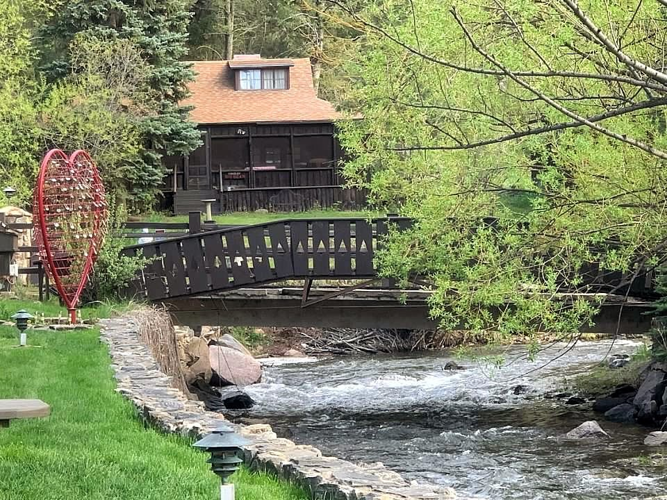 Unique Lodging in Colorado at Romantic Luxury Treehouse in Colorado Rocky Mountains - Highland Haven Creekside Inn