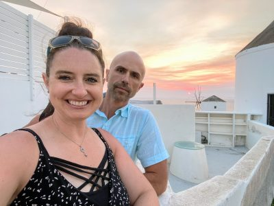 Kristen and Jason taking a selfie in Oia, Santorini, Greece